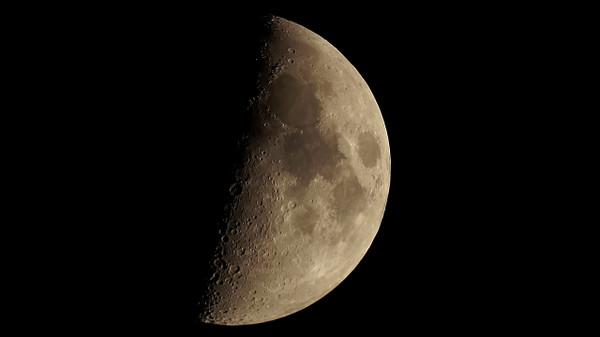 Thr_moon_1129_1