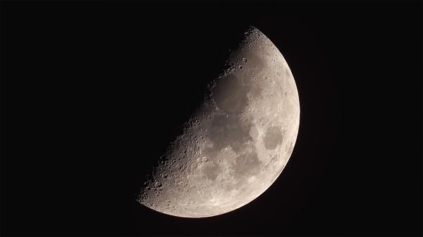 Moon20150327